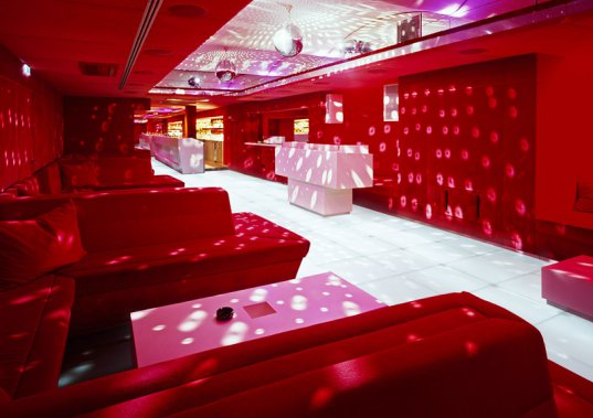 Nightlift Vienna Red Room / Söhne & Partner Architekten